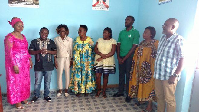 Les membres du bureau régional avec la Présidente Exécutive de Horizons femmes et le Président de la Coalition